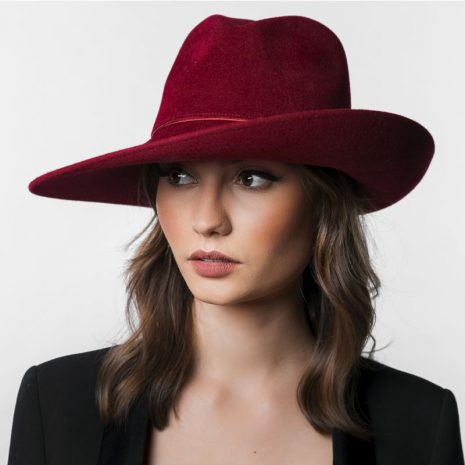 chapeau-capeline-rouge-hermes-femme-collection-femme-burgandi-paris