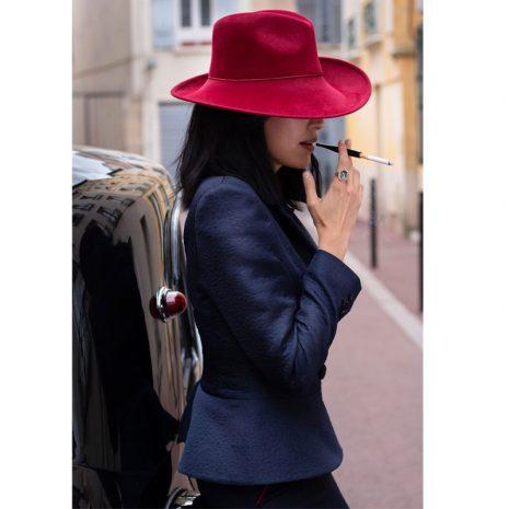 collection-francaise-de-tailleurs-et-chapeaux-burgandi-paris
