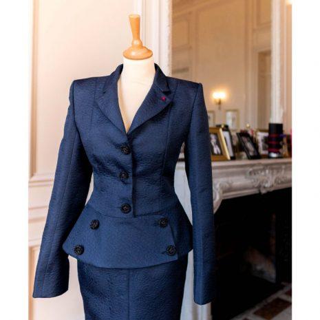 tailleur-femme-vintage-collection-retro-burgandi-paris