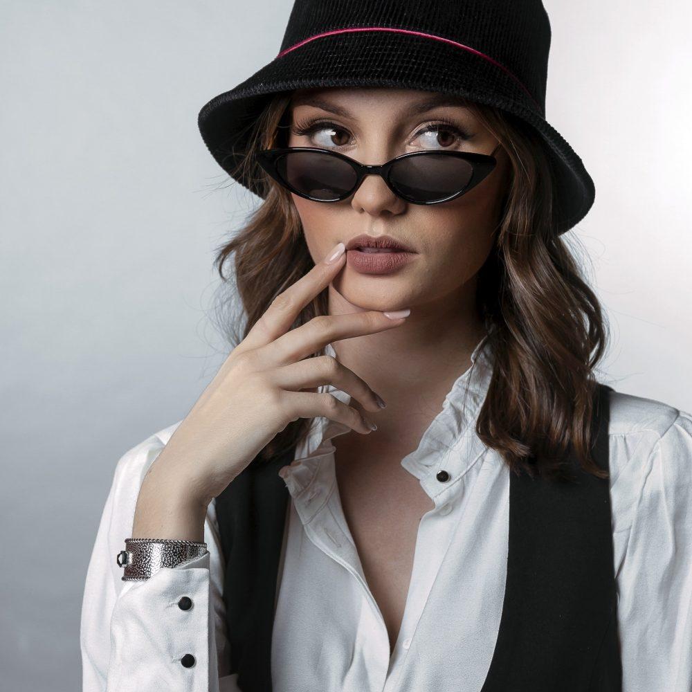Bob rétro noir femme HEPBURN collection chapeaux BURGANDI PARIS