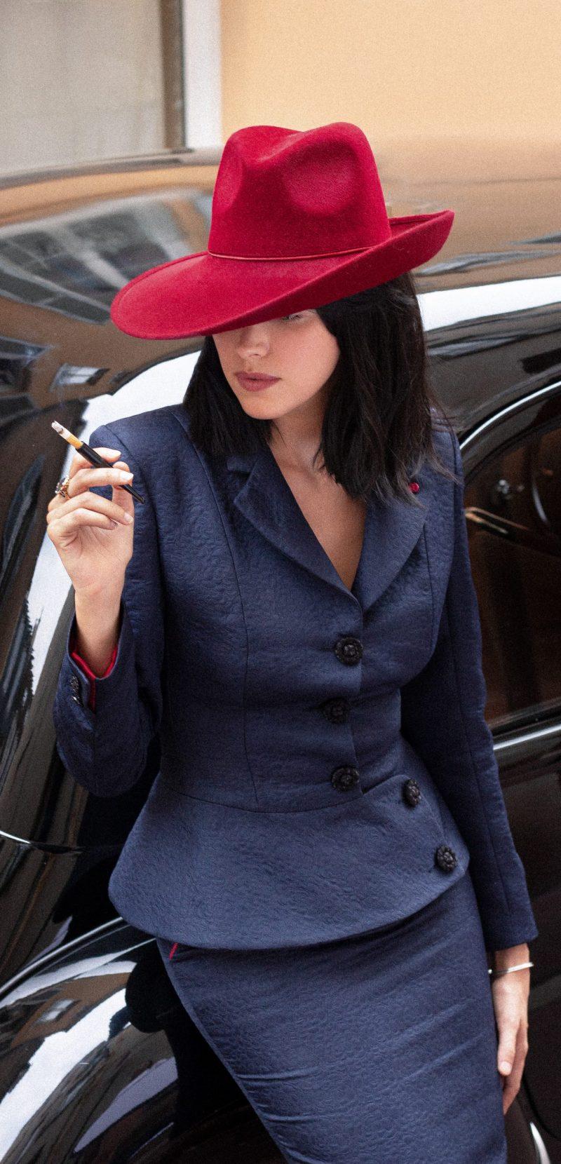 Collection Française de tailleurs et chapeaux BURGANDI PARIS